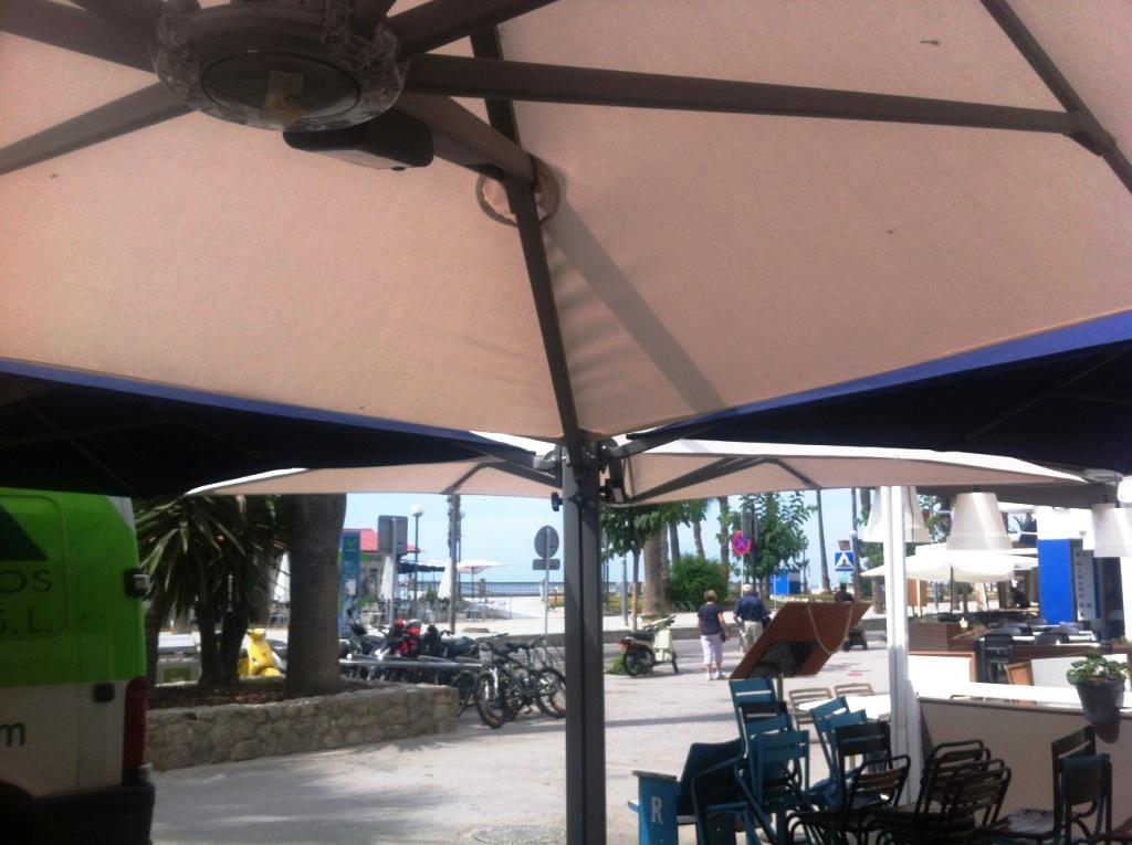 Toldos en sitges parasoles p rgolas y dise o de for Toldos y parasoles
